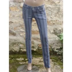 Jeans imitation serpent gris