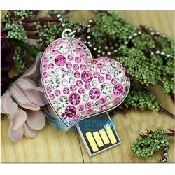 Colier en Cristal Cœur et Clef USB 8Go